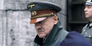"""Buno Ganz en el papel de Hitler  en la película """"Der Untergang"""""""