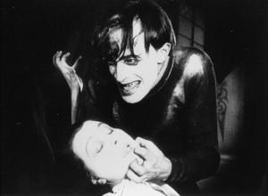 """Fotograma del clásico """"Das Cabinet des Dr. Caligari"""" (1920)"""